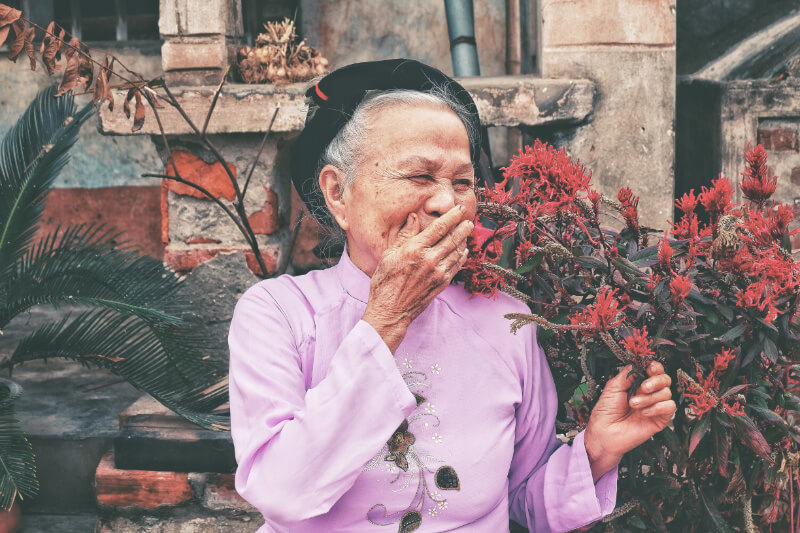 CUIDADOS PARA LA TERCERA EDAD CON MEDICINA TRADICIONAL CHINA Y ACUPUNTURA CasaFen - Photo by Huyen Nguyen on Unsplash