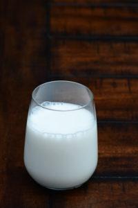 Controversias sobre los lácteos tomar o no tomar- - Photo by Kim Gorga on Unsplash