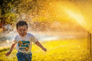 Las 4 claves para una vida saludable y feliz CasaFen - Photo by MI PHAM on Unsplash