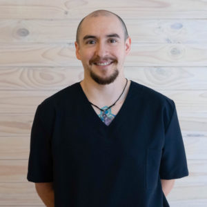 Masoterapeuta Esteban Poblete, colectivo de salud integrativa CasaFen 2019 (1)