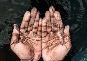 Las manos como agentes terapéuticos - CasaFen - foto de canva (1)